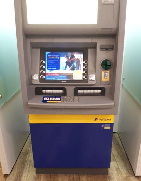 Deutsche Postbank Geldautomat in Hannover