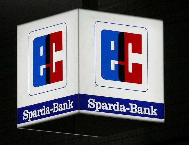 EC Kartenzeichen der Sparda Bank zum Geld abheben