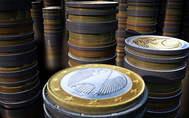 Gestapelte Euro Münzen